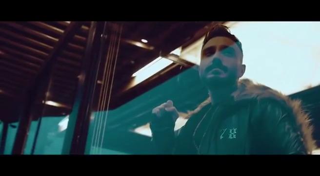 دانلود موزیک ویدیو جدید پازل بند به نام دمت گرم